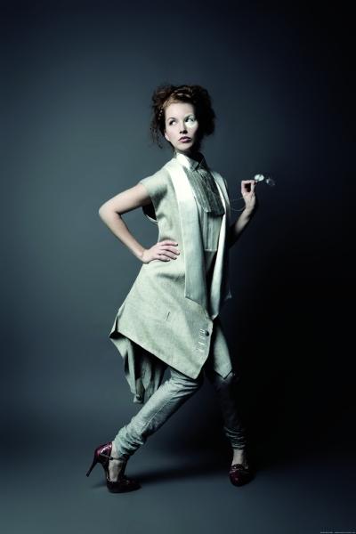 Mademoiselle du Monocle / photo: Sacha Rovinski  www.sacharovinski.com
